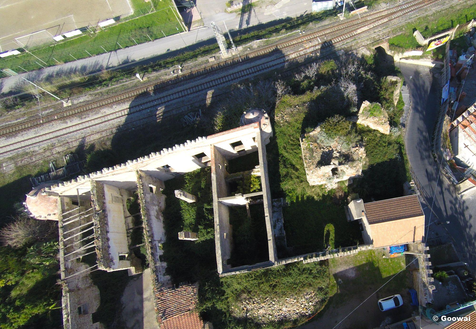 Veduta aerea del castello di Acquedolci